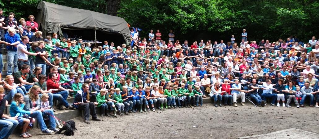 Samen met alle welpen uit de regio tijdens het Regionale Welpenweekend 't Gooi